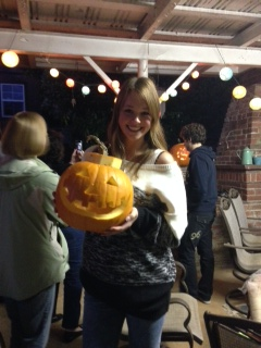 Julia from the Netherlands with the winning pumpkin
